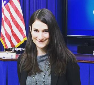 Joanna Hoffman headshot